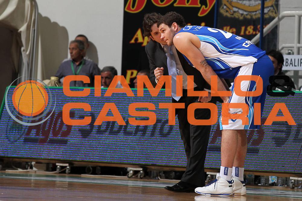 DESCRIZIONE : Siena Lega A 2009-10 Playoff Semifinale Gara 2 Montepaschi Siena NGC Medical Cantu<br /> GIOCATORE : Andrea Trinchieri Vladimir Micov<br /> SQUADRA : NGC Medical Cantu<br /> EVENTO : Campionato Lega A 2009-2010 <br /> GARA : Montepaschi Siena NGC Medical Cantu<br /> DATA : 03/06/2010<br /> CATEGORIA : ritratto coach<br /> SPORT : Pallacanestro <br /> AUTORE : Agenzia Ciamillo-Castoria/ElioCastoria<br /> Galleria : Lega Basket A 2009-2010 <br /> Fotonotizia : Siena Lega A 2009-10 Playoff Semifinale Gara 2  Montepaschi Siena NGC Medical Cantu<br /> Predefinita :