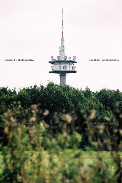 Ein Fernsehturm im Wald auf dem Drawehn, einem Höhenzug im Westen Lüchow-Dannenbergs.