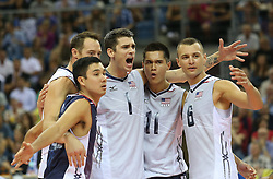 07.09.2014, Krakow Arena, Krakau, POL, FIVB WM, Italien vs USA, Gruppe D, im Bild MATTHEW ANDERSON, MICACH CHRISTENSON, PAUL LOTMAN // during the FIVB Volleyball Men's World Championships Pool D Match beween Italy and USA at the Krakow Arena in Krakau, Poland on 2014/09/07. <br /> <br /> ***NETHERLANDS ONLY***