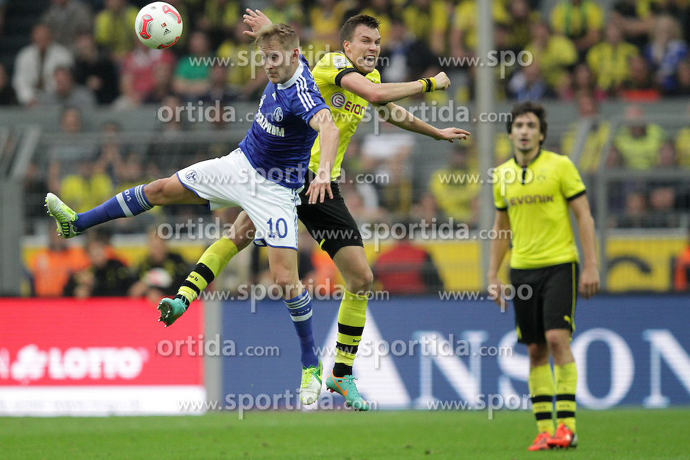 20.10.2012, Signal Iduna Park, Dortmund, GER, 1. FBL, Borussia Dortmund vs Schalke 04, 8. Runde, im Bild Kopfballduell Lewis HOLTBY (Schalke 04 - 10) gegen Kevin GROSSKREUTZ (Borussia Dortmund - BVB - 19) // during the German Bundesliga 8th round match between Borussia Dortmund and Schalke 04 at the Signal Iduna Park, Dortmund, Germany on 2012/10/20. EXPA Pictures © 2012, PhotoCredit: EXPA/ Eibner/ Ben Majerus..***** ATTENTION - OUT OF GER *****