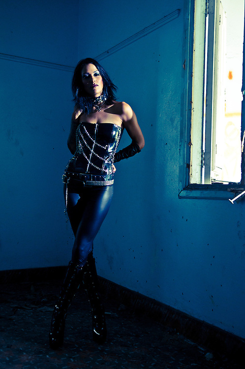 Halloween Shooting with model Cheryl Eehevarria for Maniqui Models Agency. (2010)