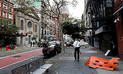 September 18, 2016 - New York, New York, U.S - A view the street Sunday, Sept. 18, 2016, at the site of an explosion that occurred on Saturday night in the Chelsea neighborhood of New York. Numerous people were injured in blast, and the motive, while reportedly not international terrorism, is still being investigated. (Credit Image: © Prensa Internacional via ZUMA Wire)