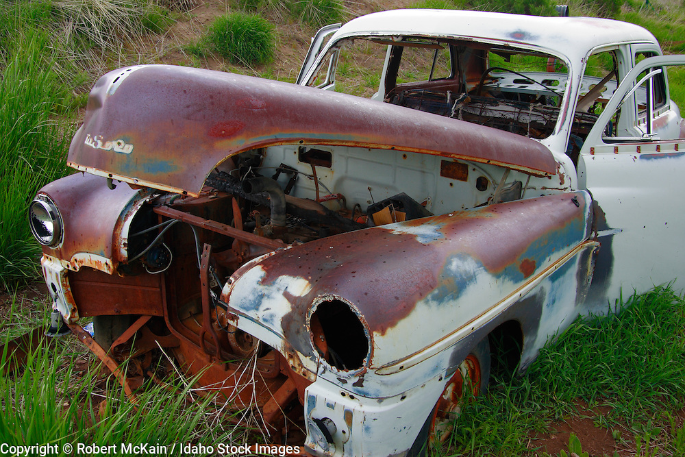 IDAHO. Camas Prairie. Rusted out 1940s Chrysler DeSoto. May 2006 #ta060110