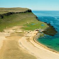Látravík séð til suðurs, Vesturbyggð - áður Rauðasandshreppur  / Latravik viewing south, Vesturbyggd - former Raudasandshreppur.