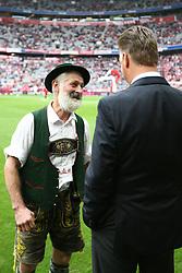 18.09.2010, Allianz Arena, Muenchen, GER, 1.FBL, FC Bayern Muenchen vs 1.FC Koeln, im Bild  Louis van Gaal (Trainer Bayern) wird von Mitglied der Blaskapelle begruesst, EXPA Pictures © 2010, PhotoCredit: EXPA/ nph/  Straubmeier+++++ ATTENTION - OUT OF GER +++++ / SPORTIDA PHOTO AGENCY