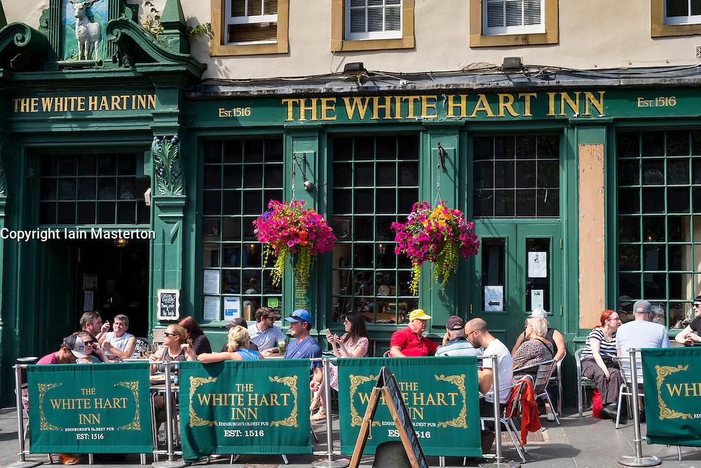 Busy White Hart Inn in Grassmarket district of Edinburgh , Scotland, United Kingdom