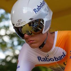 WIELRENNEN: HOLLAND LADIESTOUR TIEL; Gastrenster bij het Rabobank-Liv team Moniek Tenniglo