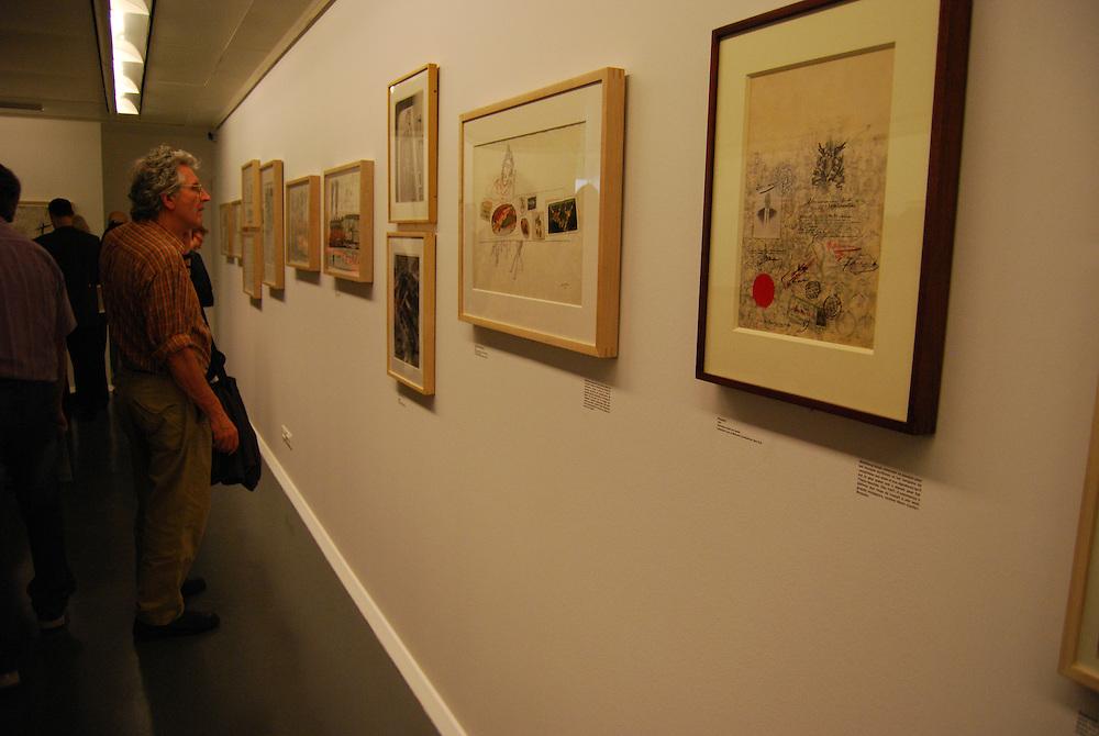 Exhibicion de Saul Steinberg en La Fundacion Henri Cartier-Bresson<br /> Paris, Francia 2008<br /> (Copyright &copy; Aaron Sosa)