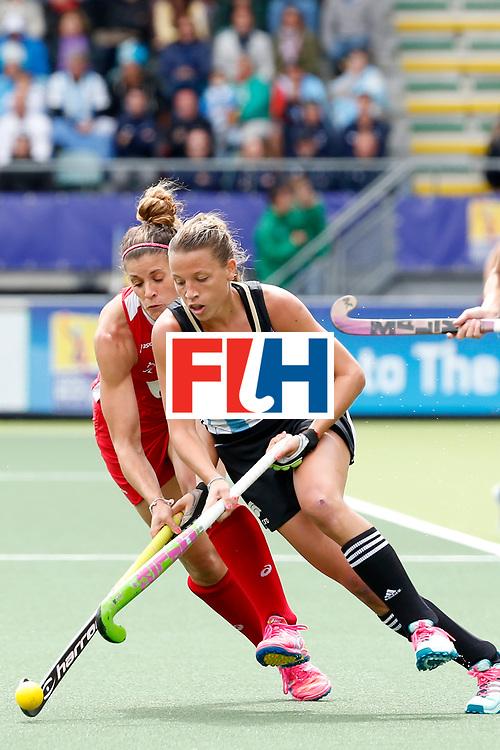 THE HAGUE - Rabobank Hockey World Cup 2014 - 14-06-2014 - 3/4 Place - WOMEN -  ARGENTINA - USA  - Delfina Merino en Rachel Dawson.<br /> Copyright: Willem Vernes