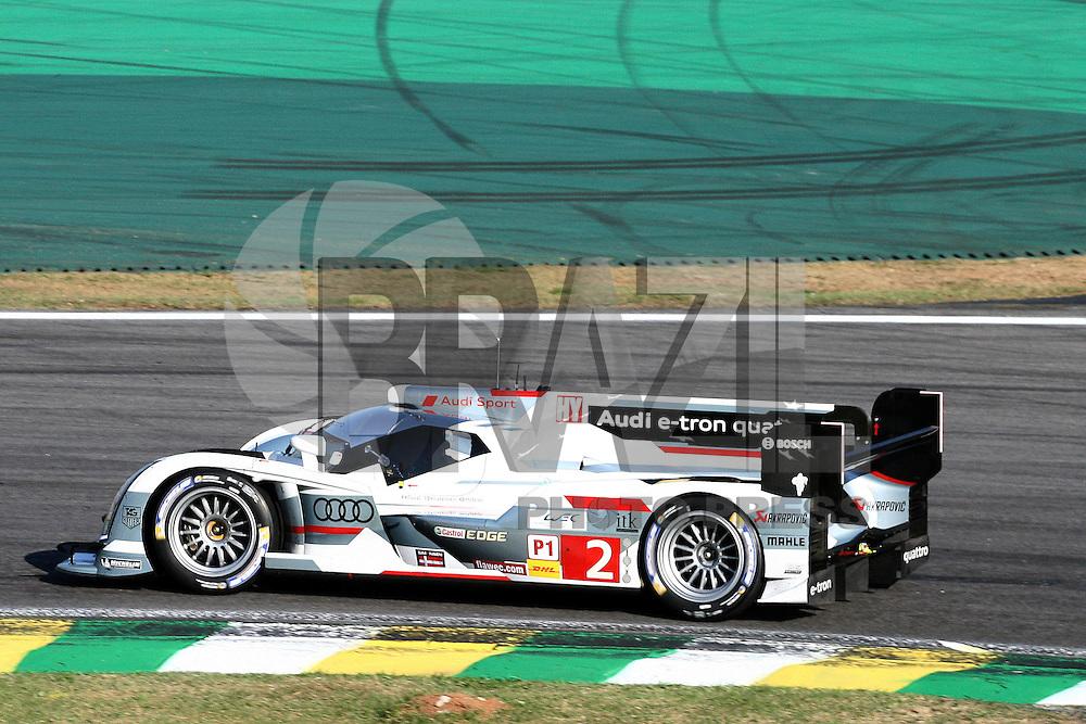 SAO PAULO, SP, 30 DE AGOSTO DE 2013 -  LE MANS 6HS DE SÃO PAULO. O Campeonato Mundial de Endurance – FIA WEC chega ao Brasil com a disputa da Le Mans 6h de São Paulo, que acontece no autódromo de Interlagos, neste final de semana sendo a metade de sua temporada 2013. Na foto o Audi R18 - Hybrid #2, o primeiro colocado dos treinos de hoje, pilotado por Tom Kristensen/Loic Duval/ Allan McNisch.  FOTO: MAURICIO CAMARGO / BRAZIL PHOTO PRESS