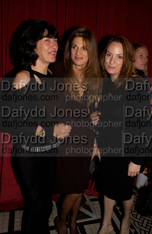 Jemima Khan,  Christianne Amanpour and Emily Oppenheim, 'Love Actually after premiere party. the Old In and Out club, Piccadilly, 16 November 2003. © Copyright Photograph by Dafydd Jones 66 Stockwell Park Rd. London SW9 0DA Tel 020 7733 0108 www.dafjones.com