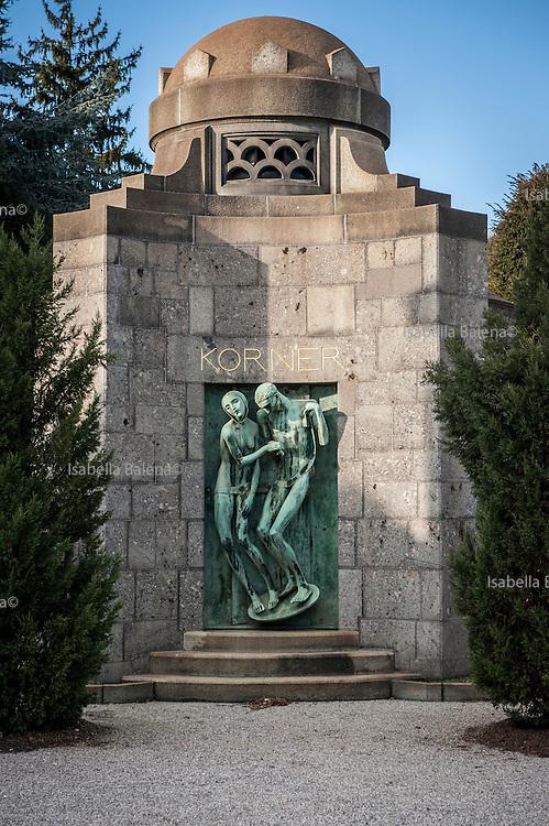 Milano, Lombardia, Italia, Cimitero Monumentale. Monumental Cemetery. Stile Liberty, style. Tomba Korner grave. Scultore A. Wildt