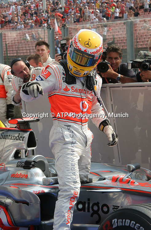 Lewis HAMILTON, Team McLaren-Mercedes on pole position - F1 Grand Prix Qualifying, Hungary. 02 August 2008. Photo: ATP/PHOTOSPORT
