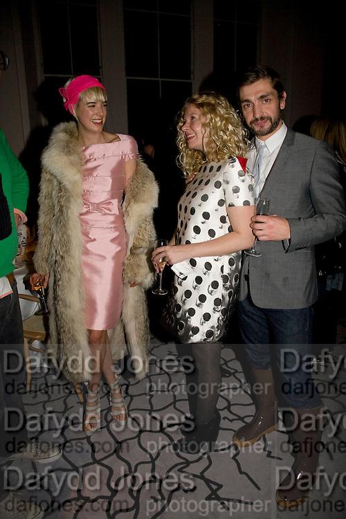 AGYNESS DEYN; HAZEL ROBINSON; DAVID WADDINGTON, Kate Grand hosts a Love Tea and Treasure hunt at Flash. Royal Academy. Burlington Gardens. London. 10 december 2008 *** Local Caption *** -DO NOT ARCHIVE-© Copyright Photograph by Dafydd Jones. 248 Clapham Rd. London SW9 0PZ. Tel 0207 820 0771. www.dafjones.com.<br /> AGYNESS DEYN; HAZEL ROBINSON; DAVID WADDINGTON, Kate Grand hosts a Love Tea and Treasure hunt at Flash. Royal Academy. Burlington Gardens. London. 10 december 2008