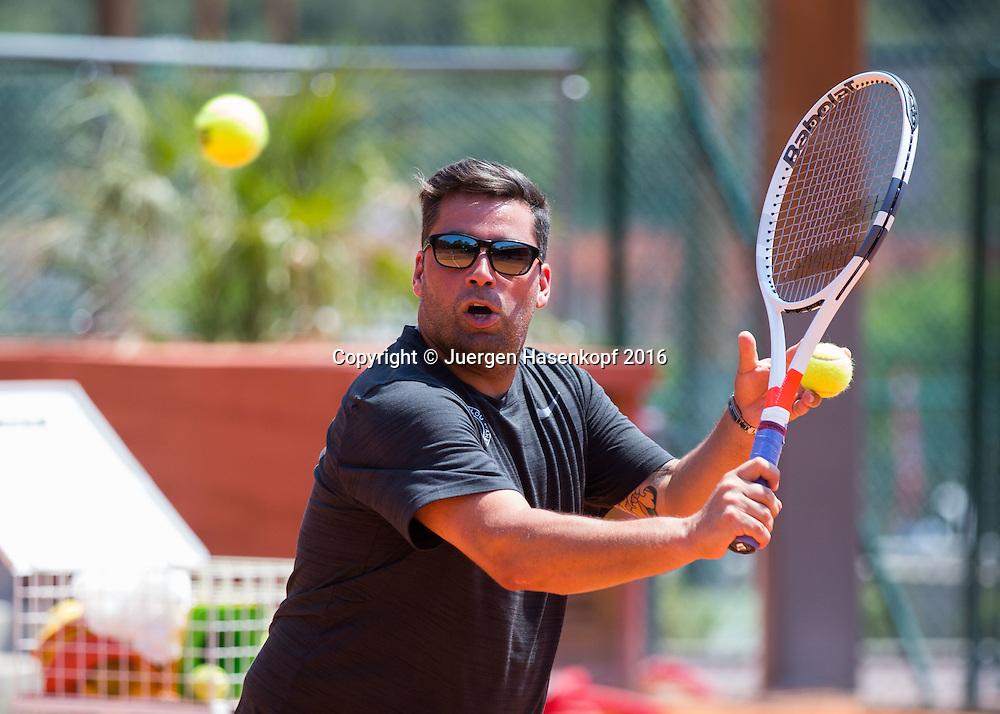 Mouratoglou Tennis Academy M.T.A Sophia Country Club, Biot, FRA.<br /> Head coach Benjamin Ebrahimzadeh (GER)<br />  - Mouratoglou Tennis Academy  -  -   Sophia Country Club, - Biot -  - Frankreich  - 26 July 2016. <br /> &copy; Juergen Hasenkopf