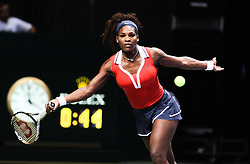 27.10.2012, Sinan Erdem Dome, Istanbul, TUR, WTA, TEB BNP Paribas, im Bild Serena Williams of the US returns a ball to Poland's Agnieszka Radwanska during WTA, TEB BNP Paribas Championships at the Sinan Erdem Dome, Istanbul, Turkey on 2012/10/27. EXPA Pictures © 2012, PhotoCredit: EXPA/ Seskimphoto/ Spfc/ ****** ATTENTION - for AUT, ESP, ITA, SWE, SLO, ..NOR, FIN, SRB, NED and USA ONLY! *****