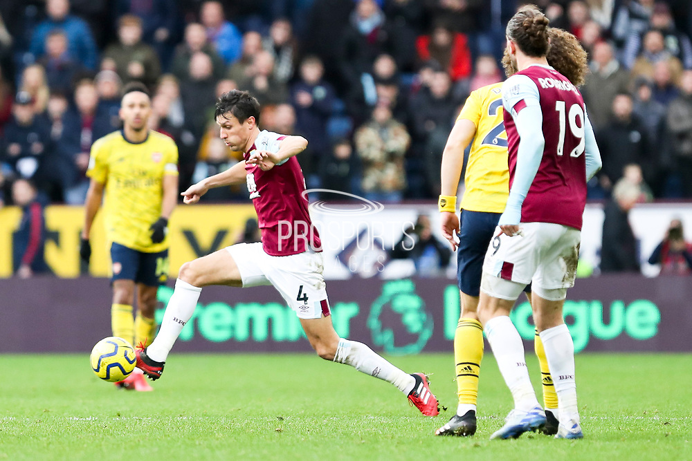 Burnley midfielder Jack Cork in action during the Premier League match between Burnley and Arsenal at Turf Moor, Burnley, England on 2 February 2020.
