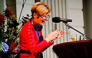 Maartje van Weegen heeft tijdens haar laatste aflevering van het AVRO Radio 4-programma 'De Klassieken' van de Georgische president Micheil Saakasjvili de Orde van het Gulden Vlies toegekend gekregen als dank voor haar inspannen voor het behoud van het Georgische klassieke radiostation Muza.