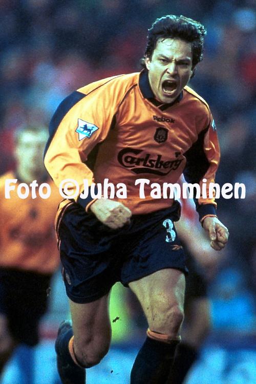 10.2.2001, Stadium of Light, Sunderland, England. <br /> FA Premiership, Sunderland FC v Liverpool FC. <br /> Jari Litmanen celebrates scoring for Liverpool.