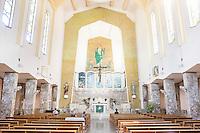 PALERMO, 29 LUGLIO 2015: L'interno della Parrocchia di Santa Lucia Borgovecchio, a Palermo il 29 luglio 2015.