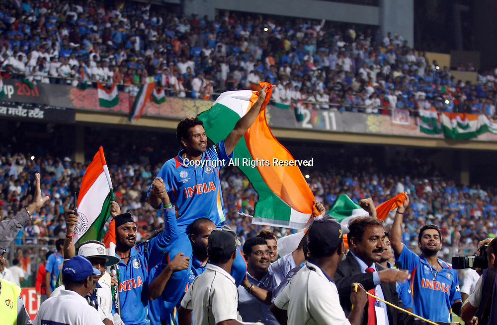 02.04.2011 Cricket World Cup Final from the Wankhede Stadium in Mumbai. Sri Lanka v India. Sachin Tendulkar of India celebrate as they win the Cricket World Cup final match of the ICC Cricket World Cup between India and Sri Lanka on the 2nd April 2011