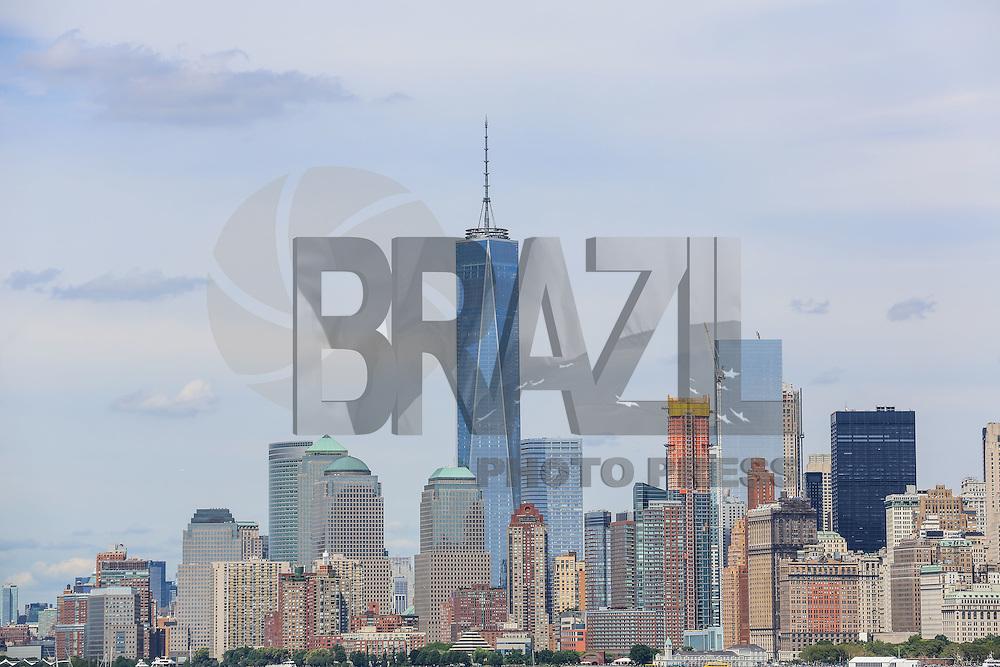 NOVA YORK, EUA, 13.08.2015 - TURISMO-NEW YORK -Vista da ilha da Manhattan em Nova Iorque nos Estados Unidos nesta quinta-feira, 13. A torre mais alta World Trade Center. (Foto: William Volcov/Brazil Photo Press/Folhapress)