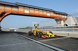 22.10.2010, Korea International Circuit, Yeongam, KOR, F1 Grandprix of Korea, im Bild ..Robert Kubica (POL), Renault F1 Team, EXPA Pictures © 2010, PhotoCredit: EXPA/ InsideFoto/ Hasan Bratic *** ATTENTION *** FOR AUSTRIA AND SLOVENIA USE ONLY!