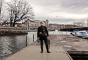 Switzerland, Zurich: diving in the river on sunday morning, for fun , for practising , lookin for the hidden Zürich