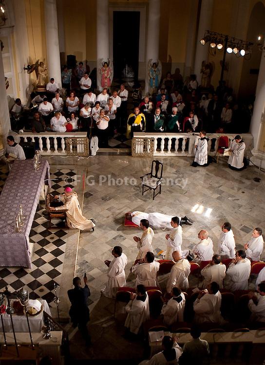 Misa de ordenamiento al sacerdocio de Olin Pierre Louis en Catedral de SAn Juan, Puerto Rico