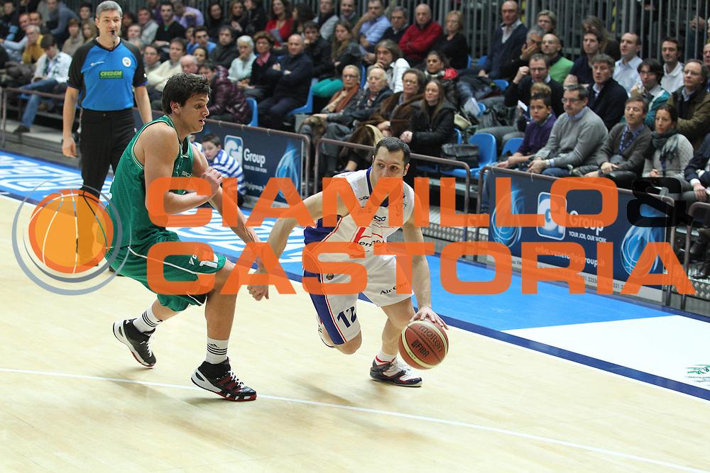 DESCRIZIONE : Cantu Lega A 2010-11 Bennet Cantu Benetton Treviso<br /> GIOCATORE : Nicolas Mazzarino<br /> SQUADRA : Bennet Cantu<br /> EVENTO : Campionato Lega A 2010-2011<br /> GARA : Bennet Cantu Benetton Treviso<br /> DATA : 09/01/2011<br /> CATEGORIA : Palleggio<br /> SPORT : Pallacanestro<br /> AUTORE : Agenzia Ciamillo-Castoria/G.Cottini<br /> Galleria : Lega Basket A 2010-2011<br /> Fotonotizia : Cantu Lega A 2010-11 Bennet Cantu Benetton Treviso<br /> Predefinita :