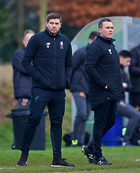 WOLVERHAMPTON, ENGLAND - Tuesday, December 19, 2017: Liverpool's Under-18 manager Steven Gerrard and assistant Tom Culshaw during an Under-18 FA Premier League match between Wolverhampton Wanderers and Liverpool FC at the Sir Jack Hayward Training Ground. (Pic by David Rawcliffe/Propaganda)