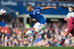Richarlison of Everton has a shot at goal - Mandatory by-line: Jack Phillips/JMP - 19/10/2019 - FOOTBALL - Goodison Park - Liverpool, England - Everton v West Ham United - English Premier League
