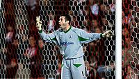 Photo: Alan Crowhurst.<br />Southampton v Cardiff City. Coca Cola Championship. 13/03/2007. Southampton's goal keeper Kelvin Davis.