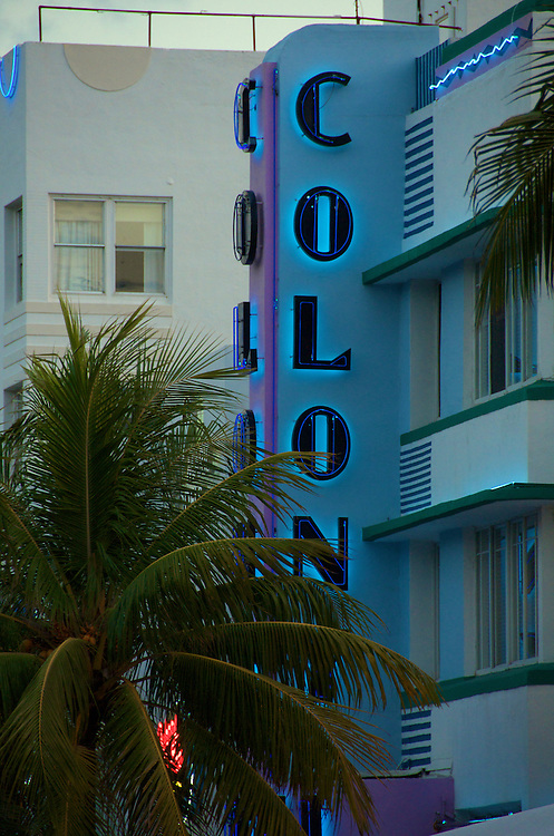 Colony Hotel in Miami Beach, the Hotel is located in worlwide famous Ocean Drive in South Beach, this is a tourist attraction in Miami, The hotel is a typical art deco building.