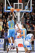 DESCRIZIONE : Campionato 2014/15 Dinamo Banco di Sardegna Sassari - Vanoli Cremona<br /> GIOCATORE : Cameron Clark<br /> CATEGORIA : Tiro Penetrazione Sottomano Controcampo<br /> SQUADRA : Vanoli Cremona<br /> EVENTO : LegaBasket Serie A Beko 2014/2015<br /> GARA : Banco di Sardegna Sassari - Vanoli Cremona<br /> DATA : 10/01/2015<br /> SPORT : Pallacanestro <br /> AUTORE : Agenzia Ciamillo-Castoria / Claudio Atzori<br /> Galleria : LegaBasket Serie A Beko 2014/2015<br /> Fotonotizia : DESCRIZIONE : Campionato 2014/15 Dinamo Banco di Sardegna Sassari - Vanoli Cremona<br /> <br /> Predefinita :