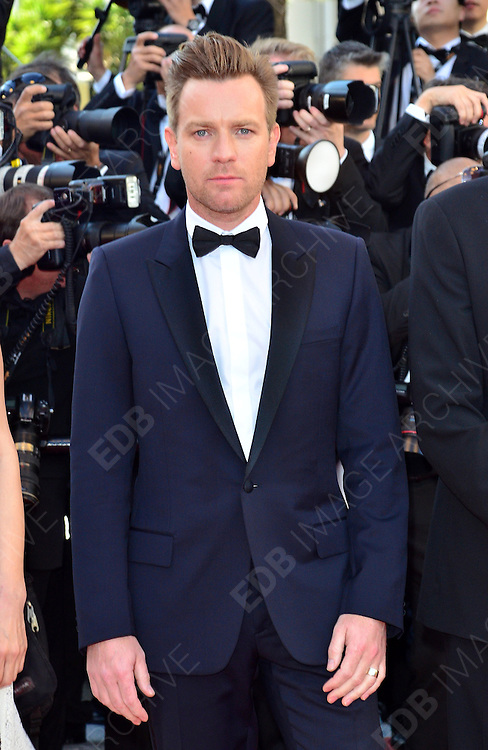 16.MAY.2012. CANNES<br /> <br /> OPENING CEREMONY AND 'MOONRISE KINGDOM' PREMIERE DURING THE 65TH ANNUAL CANNES FILM FESTIVAL AT PALAIS DES FESTIVALS ON MAY 16, 2012 IN CANNES, FRANCE.  <br /> <br /> BYLINE: EDBIMAGEARCHIVE.COM<br /> <br /> *THIS IMAGE IS STRICTLY FOR UK NEWSPAPERS AND MAGAZINES ONLY*<br /> *FOR WORLD WIDE SALES AND WEB USE PLEASE CONTACT EDBIMAGEARCHIVE - 0208 954 5968*