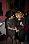 NANCY DELL D'OLIO; RACHEL JOHNSON, The Literary Review Bad sex in Fiction award 2008. The In and Out Club. 4 St. James Square. London SW1. 25 November 2008. *** Local Caption *** -DO NOT ARCHIVE -Copyright Photograph by Dafydd Jones. 248 Clapham Rd. London SW9 0PZ. Tel 0207 820 0771. www.dafjones.com