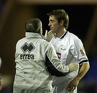 Fotball<br /> England 2004/2005<br /> Foto: BPI/Digitalsport<br /> NORWAY ONLY<br /> <br /> Reading v Derby County<br /> Coca Cola Championship.<br /> <br /> Tommy Smith receives treatment for an injury, then scores moments later for Derby.
