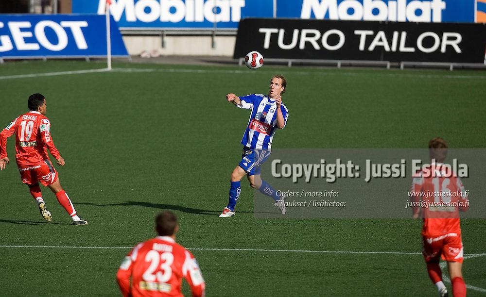Vili Savolainen. HJK - Jaro, Suomen Cup. Helsinki 21.6.2007. Photo: Jussi Eskola