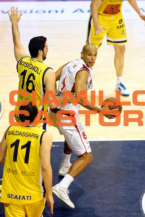 DESCRIZIONE : Pistoia Lega A2 2012-13 Playoff Quarti di finale Gara2 Giorgio Tesi Group Pistoia Givova Scafati<br /> GIOCATORE : Toppo Fiorello<br /> SQUADRA : Giorgio Tesi Group Pistoia<br /> EVENTO : Campionato Lega A2 2012-2013<br /> GARA : Giorgio Tesi Group Pistoia Givova Scafati Playoff quarti di finale gara2<br /> DATA : 13/05/2013<br /> CATEGORIA : Palleggio<br /> SPORT : Pallacanestro<br /> AUTORE : Agenzia Ciamillo-Castoria/Stefano D'Errico<br /> Galleria : Lega Basket A2 2012-2013 <br /> Fotonotizia : Pistoia Lega A2 2012-2013 Playoff Quarti di finale Gara2 Giorgio Tesi Group Pistoia Givova Scafati<br /> Predefinita :
