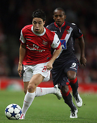 15.09.2010, Emirates Stadium, London, ENG, UEFA CL, Arsenal fc vs Sporting Braga, im Bild Arsenal's Samir Nasri with Paulo Cesar of Braga   during Arsenal fc vs Sporting Braga for the UCL  Group  H at the Emirates Stadium in London. EXPA Pictures © 2010, PhotoCredit: EXPA/ IPS/ Marcello Pozzetti +++++ ATTENTION - OUT OF ENGLAND/UK +++++ / SPORTIDA PHOTO AGENCY