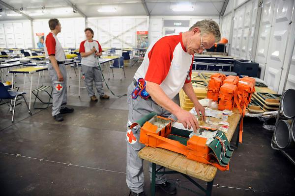 Nederland, Nijmegen, 15-7-2012De tent van het Rode Kruis met stretchers en prikatributen waar vanaf dinsdag 4daagselopers hun blaren kunnen laten prikken, of met andere medische klachten terecht kunnen.Foto: Flip Franssen/Hollandse Hoogte