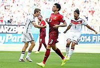 1:0 Jubel Deutschland v.l. Torschuetze Thomas Mueller (13), Pepe, Sami Khedira<br /> Fussball, FIFA WM 2014 in Brasilien, Vorrunde, Deutschland - Portugal<br /> Tyskland - Portugal<br /> <br /> Norway only