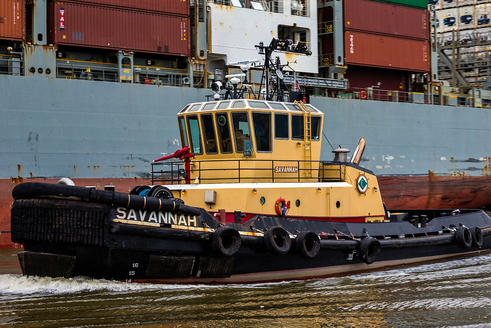 The crew aboard the Cooper Moran tug escorts the 13,000 TEU OOCL Korea up river to Port of Savannah at the Georgia Ports Authority Garden City Terminal, Thursday, Aug., 3, 2017, in Savannah, Ga.  (GPA Photo/Stephen B. Morton)