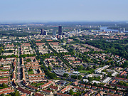 Nederland, Flevoland, Almere, 26-08-2019; Almere Stad met overzicht Kruidenwijk, gezien naar stationsgebied rond station Almere Centrum, met Weerwater rechts.<br /> Residential area, overview in the direction of Almere Centrum station.<br /> <br /> luchtfoto (toeslag op standard tarieven);<br /> aerial photo (additional fee required);<br /> copyright foto/photo Siebe Swart