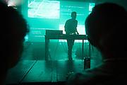 JOHN TEJADA, NOCTURNE 3 :: ORCHESTRATE TO ELEVATE <br /> Musée d'art contemporain - Salle principale<br /> vendredi 29 mai, 21:30 - 03:00<br /> 35$ (+ fs & tx)<br /> Le post numérique se déchaîne avec des fractales d'instrumentation acoustique dans une soirée de saisissantes harmonies et de rythmes transportants. Les producteurs donnent libre cours à leur musicalité viscérale, du violoncelle et piano à la batterie, en demeurant dans les sphères de la composition radicale et de l'improvisation sublime.