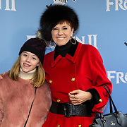 NLD/Amsterdam/20191116 - Filmpremiere Frozen II, Chazia Mourali en dochter Jasmijn