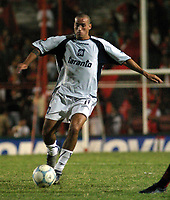 Fotball<br /> Independiente v Newells<br /> Torneo Clausura<br /> Buenos Aires<br /> 21. februar 2004<br /> Foto: Digitalsport<br /> Norway Only<br /> L. Rios, Independiente