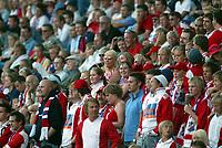 Fotball, 31. juli 2003, Tippeligaen, Lyn-Bodø/Glimt 1-2.   lyn, supporter, supportere, tilskuere, tilskuer, publikum, illustrasjon