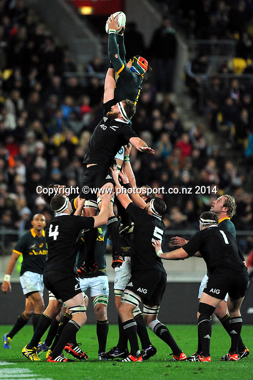 South African Victor Matfield takes a lineout during the Rugby Championship Rugby Union Test Match New Zealand All Blacks v South Africa. Westpac Stadium, Wellington, New Zealand. Saturday 13 September 2014. Photo: Chris Symes/www.photosport.co.nz